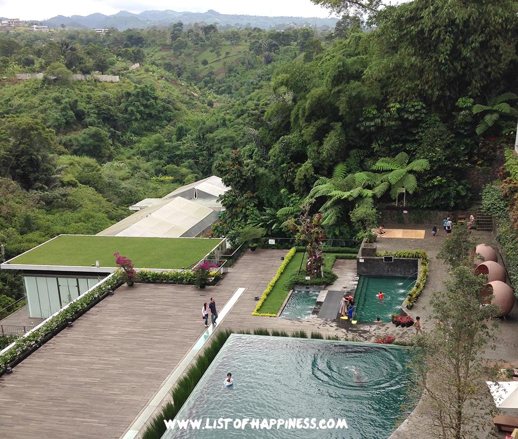 Pool View dari restoran padma