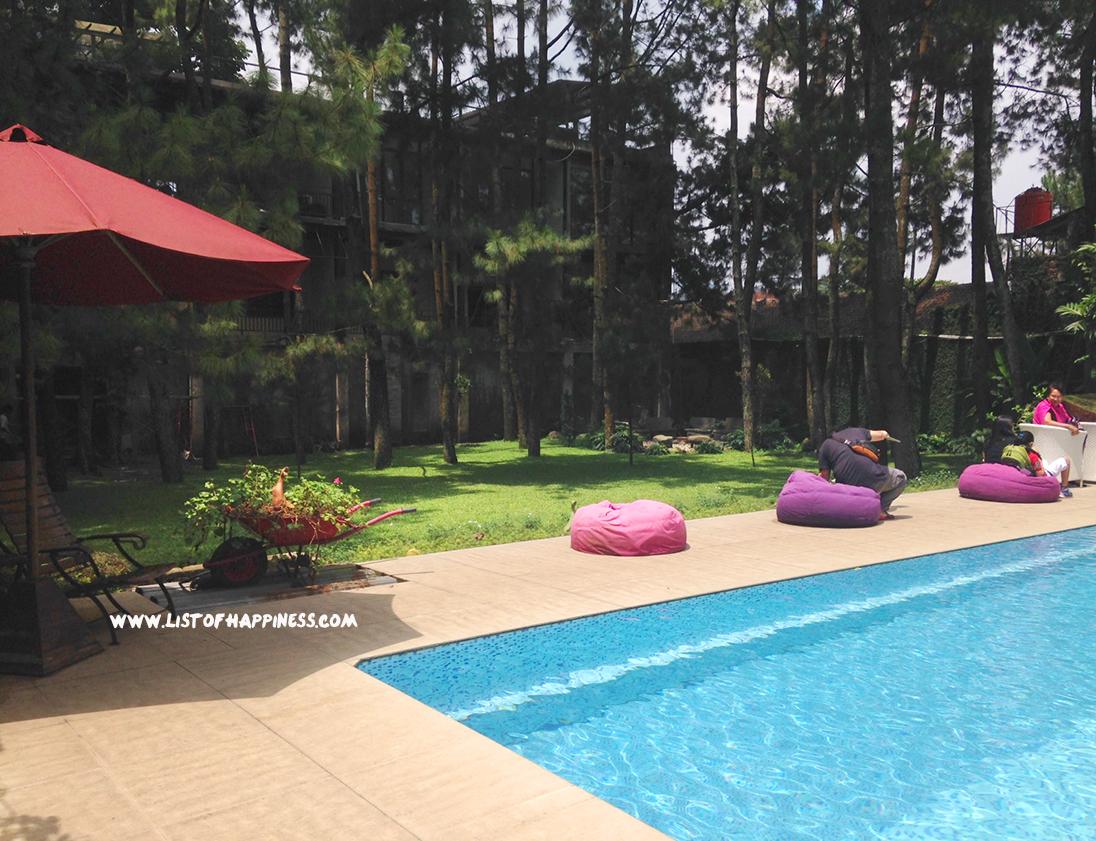 sandalwood swimming pool